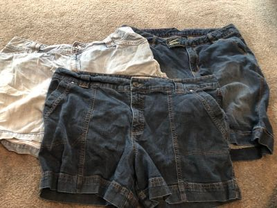 3 pairs of women s jean shorts size 18