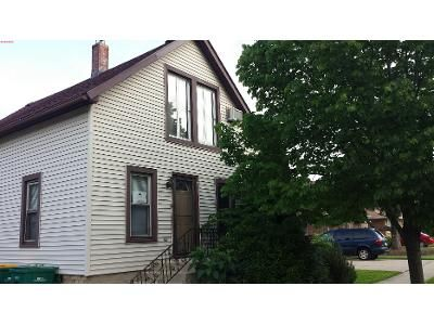 3 Bed 1 Bath Preforeclosure Property in Joliet, IL 60435 - Highland Ave