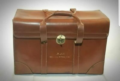 Vintage Leather Excellent Condition Medical Bag..Excellent Condition