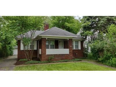2 Bed 1 Bath Foreclosure Property in Cleveland, OH 44121 - Roanoke Rd