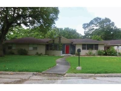 4 Bed 2.5 Bath Foreclosure Property in Houston, TX 77061 - Alanwood St