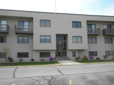 196 Old River RD, Unit#2F South Lincoln Two BR