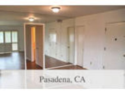 2 BR Apartment - Gorgeous upper level 2nd level mid-century condominium.