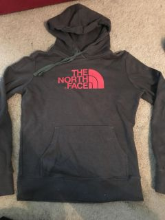 New without tags Women s North Face pullover, Size Small