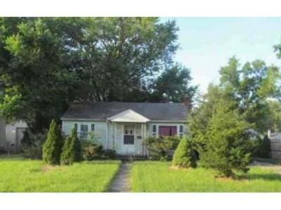 2 Bed 2 Bath Foreclosure Property in Fort Wayne, IN 46805 - Kenwood Ave
