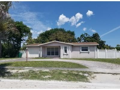 3 Bed 2 Bath Preforeclosure Property in Hollywood, FL 33023 - SW 67th Way
