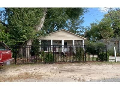 3 Bed 2.0 Bath Preforeclosure Property in Wilmington, NC 28405 - Manly Ave