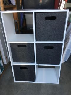 Cubby storage with containers