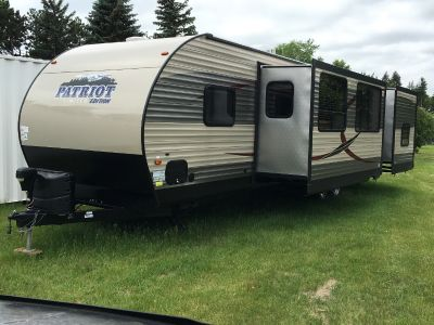 2016 Forest River CHEROKEE 304BH