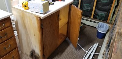 FREE cabinet with countertop