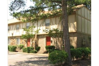 $1,275 / 3 bedrooms - Great Deal. MUST SEE. Parking Available!