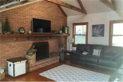 3 bedrooms House - Beautifully Appointed Home. Washer/Dryer Hookups!