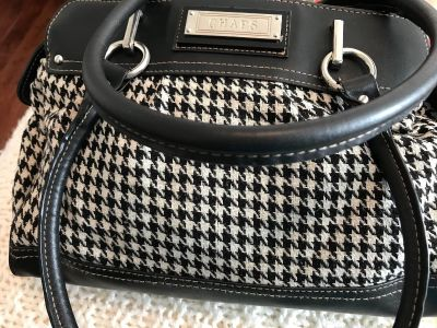 Really nice Chaps bag. Black & white houndstooth material.