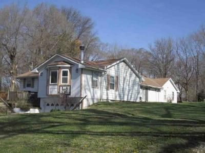 7 Bed 4 Bath Foreclosure Property in Leavenworth, KS 66048 - Dakota St
