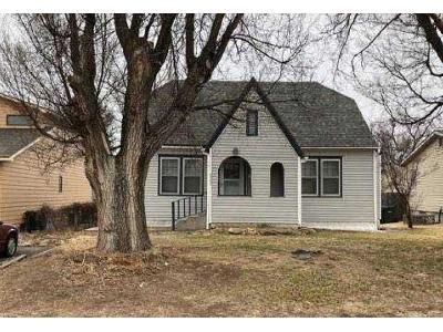 2 Bed 1 Bath Foreclosure Property in Dodge City, KS 67801 - Hart Ave