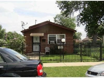 3 Bed 1.5 Bath Foreclosure Property in Chicago, IL 60628 - S Lowe Ave
