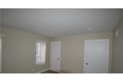 3 bedrooms Apartment - Freshly remodeled by Invitation Homes. Pet OK!