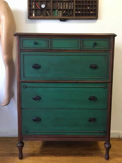 Antique 4 Drawer/ Vintage Dresser/ Chest/ Bureau