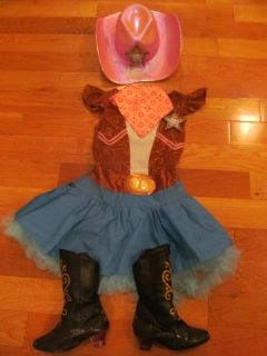 Sheriff Callie Costume size 4-6X (Boots size 9-10) The back of the badge broke off, so doesn't clip to the costume. Boots show some scuffing