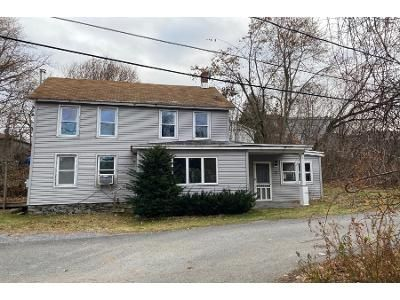 3 Bed 1.5 Bath Foreclosure Property in Hoosick Falls, NY 12090 - Spring St