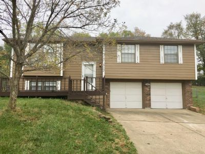 $1345 3 apartment in Independence