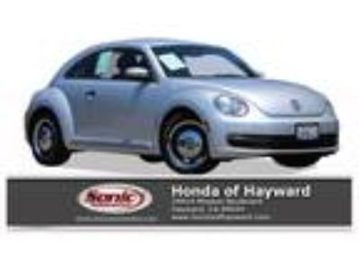 Used 2015 Volkswagen Beetle Coupe Silver, 63.9K miles