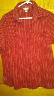 RED SHORT SLEEVE BUTTON FRONT TOP