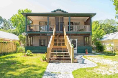 Immaculate Gulf Shores, AL Home in Excellent Location
