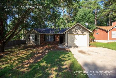 Cozy Ranch Style 3BR/2BA with fenced back yard located in Jonesboro, Ga