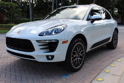 ** 2015 PORSCHE MACAN S LIKE NEW **