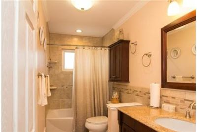 Beautiful home on end of cul de sac. Washer/Dryer Hookups!