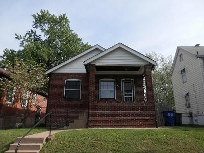 2 Bed 1 Bath Foreclosure Property in Saint Louis, MO 63139 - Pernod Ave