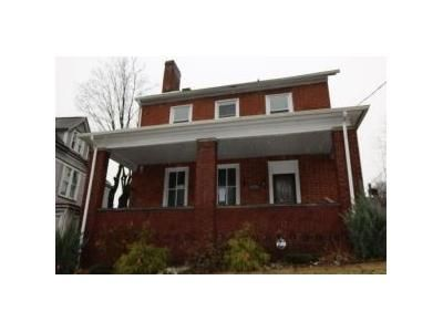 4 Bed 3 Bath Foreclosure Property in Mount Pleasant, PA 15666 - W Main St