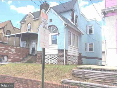 208 Long Ln Upper Darby, Nice duplex with finished basement