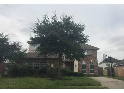 4 Bed 3.5 Bath Foreclosure Property in Pearland, TX 77581 - Little Grove Dr