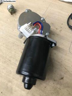 251955119 New wiper motor