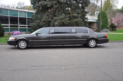 2007 Lincoln Town Car Executive (Brown)