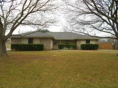 x0024134900  4br - 2043ftsup2 - Large 4 Bedroom 2 Bath Home in Lorena