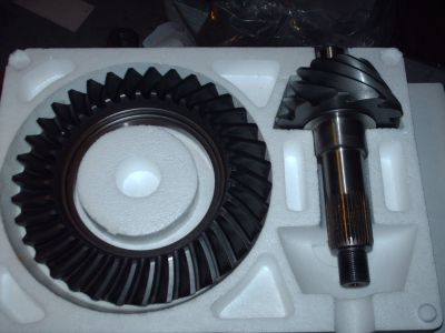 """BRAND NEW 9"""" ford 3.50 pro-gear"""