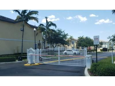 2 Bed 2 Bath Preforeclosure Property in Homestead, FL 33033 - SE 1st Dr # 7