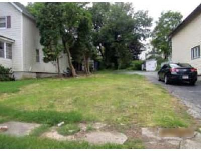 2 Bed 1 Bath Foreclosure Property in Auburn, NY 13021 - Chase St