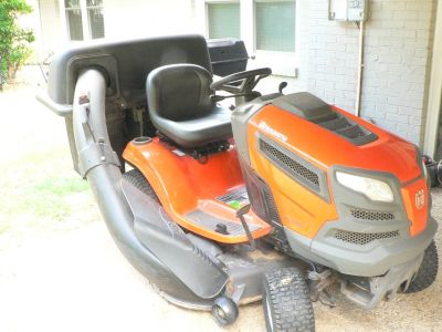 Lawn Tractor with 3-bag grass catcher