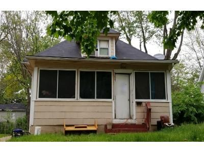 2 Bed 1 Bath Preforeclosure Property in Des Moines, IA 50316 - Capitol Ave