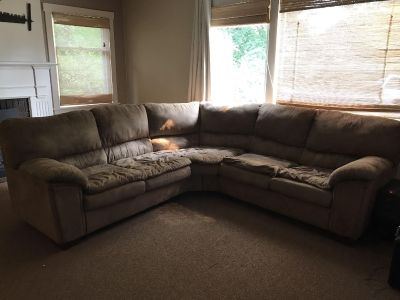 Brown sectional sofa/couch