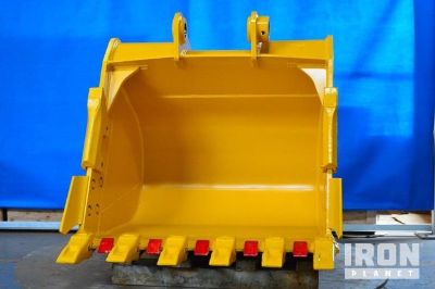 "Emaq 48"" HD Excavator Bucket - Fits Komatsu PC200/220LC-6 - Unused"