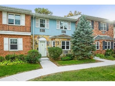 3 Bed 3 Bath Foreclosure Property in Holtsville, NY 11742 - Glen Hollow Dr Apt E36