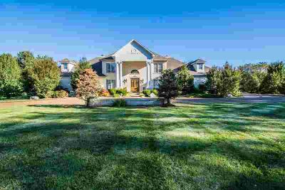 209 Lakeside Way Bowling Green Five BR, Estate home perfect for