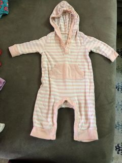 Old navy hooded outfit