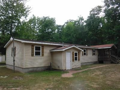 3 Bed 2 Bath Foreclosure Property in Marinette, WI 54143 - Pond Rd