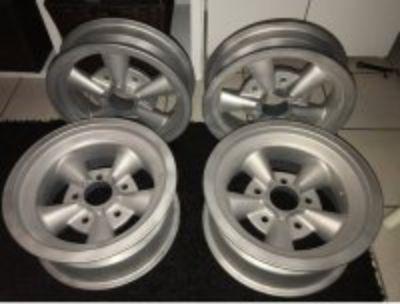 Magnesium American Racing wheels 15x4 & 15x7 5.5 pattern